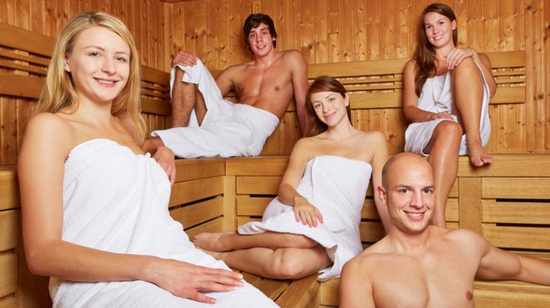 ist man in der sauna nackt