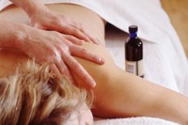Les thérapies complémentaires comme le massage permettent de se sentir mieux.